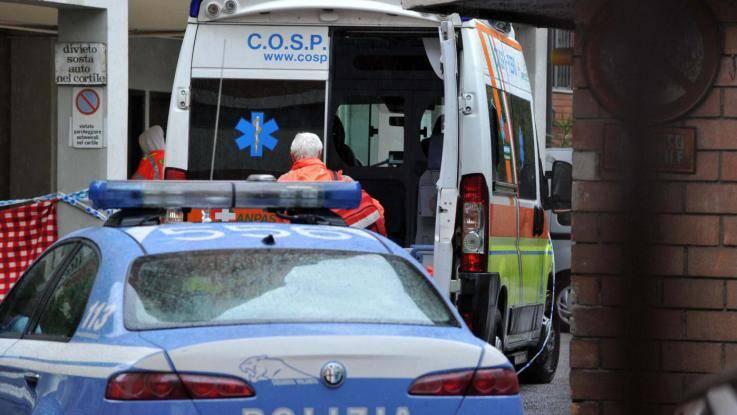 Bologna, agente di polizia si spara in bocca al pronto soccorso