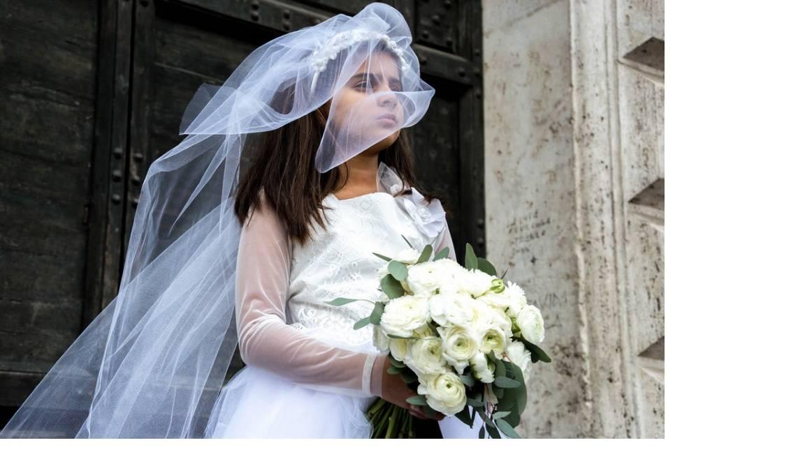 """Rom di 13 anni è madre e sposa. I suoi genitori: """"Per noi è normale"""""""