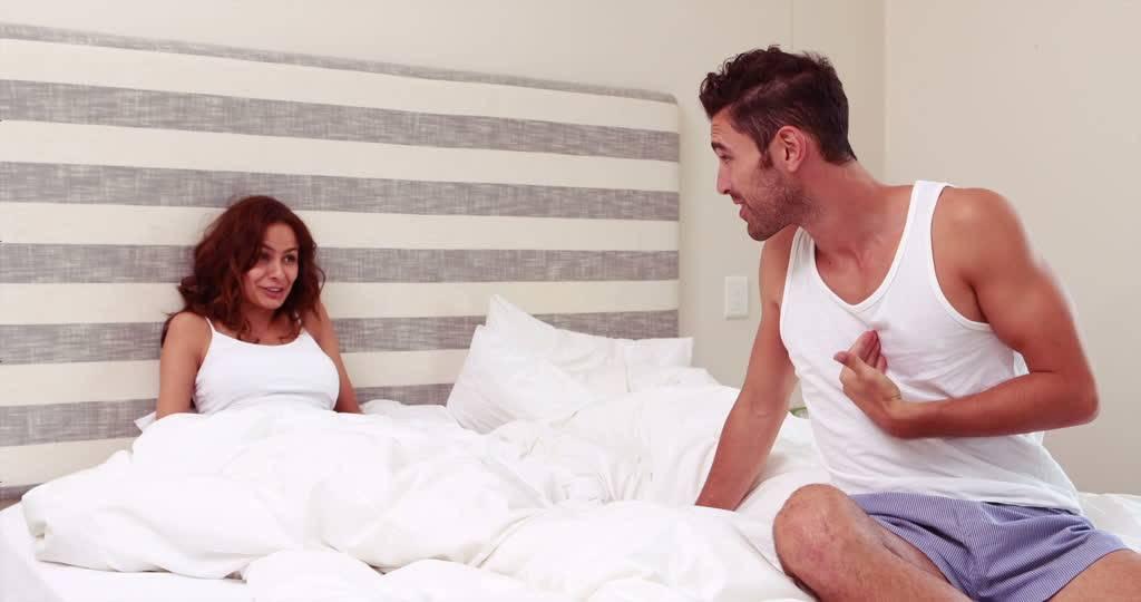 Lui fa sesso, lei mangia: modi diversi per combattere lo stress