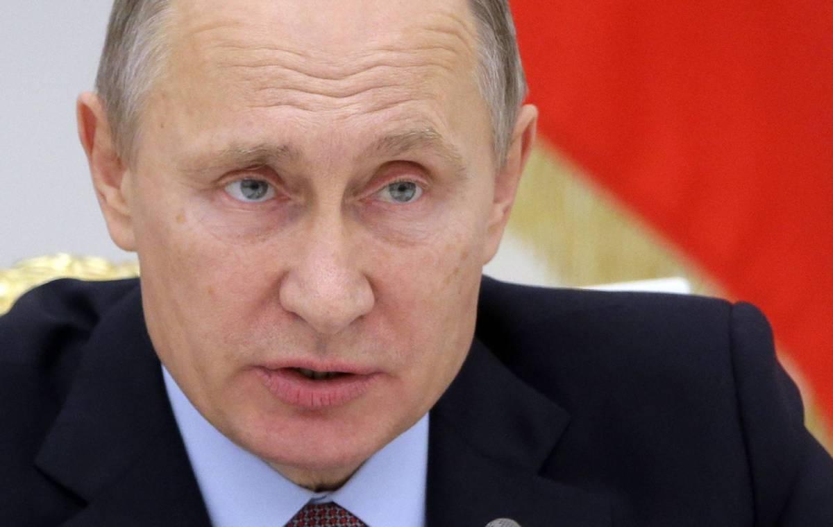 """La balla europeista su Putin: """"Invita i migranti a stuprare"""""""