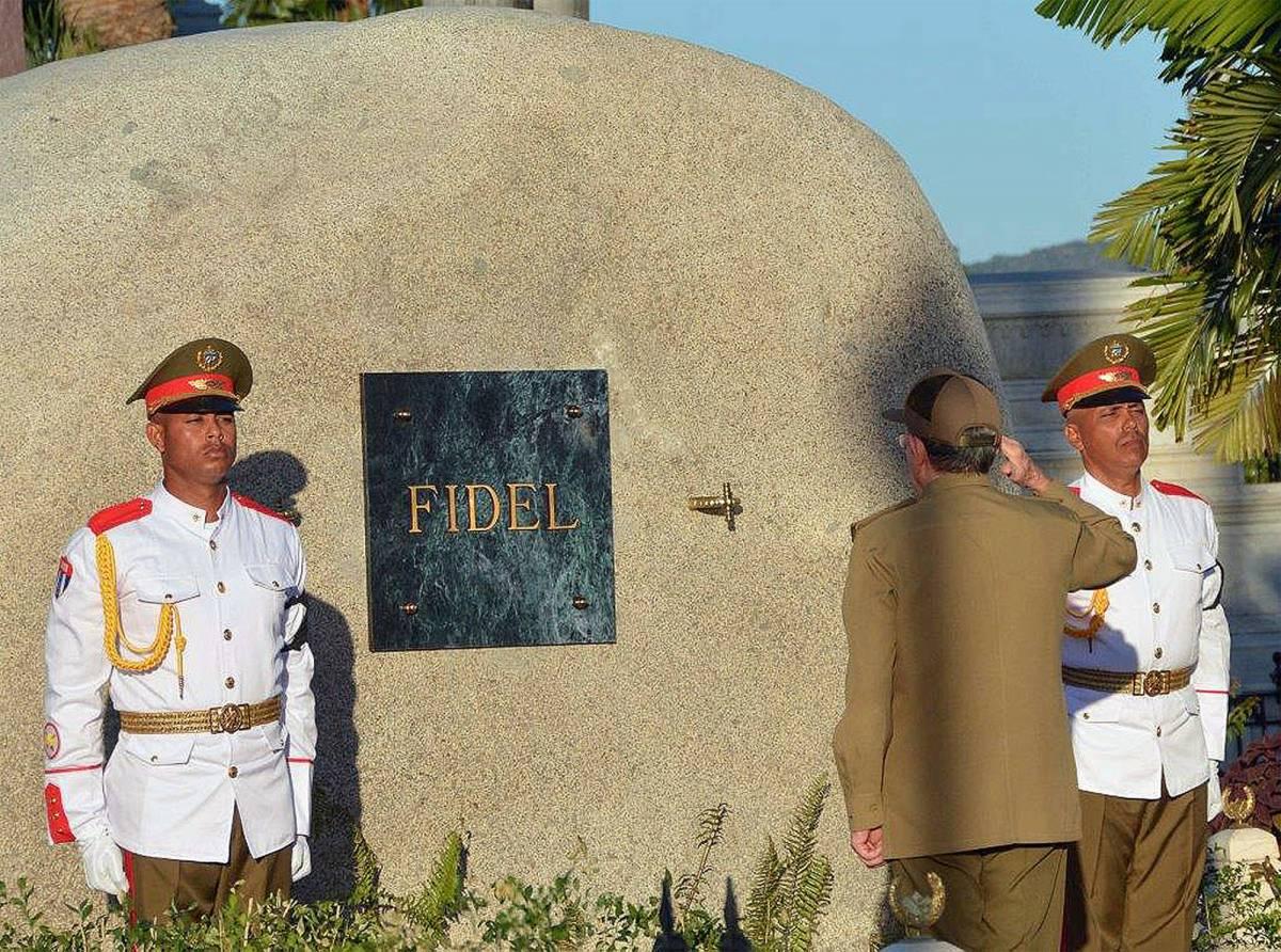 Fidel snobbato dai leader E Raul Castro si rifugia nella difesa del socialismo