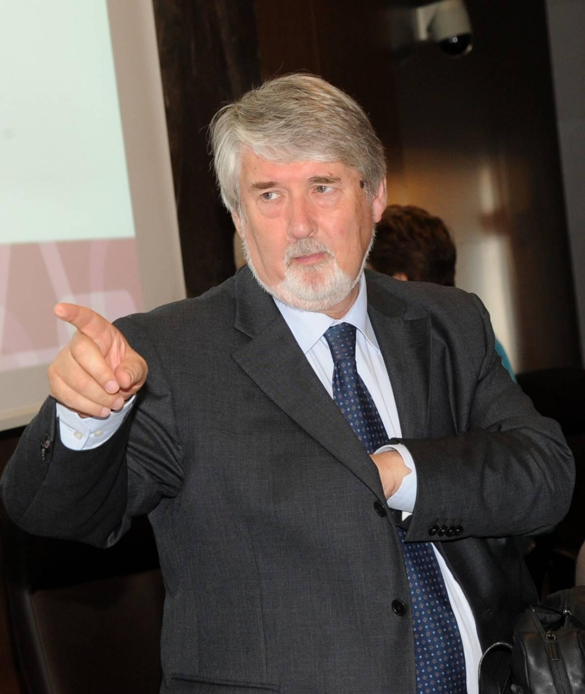 Poletti jr. non emigra: lavora nel feudo di papà e prende soldi pubblici
