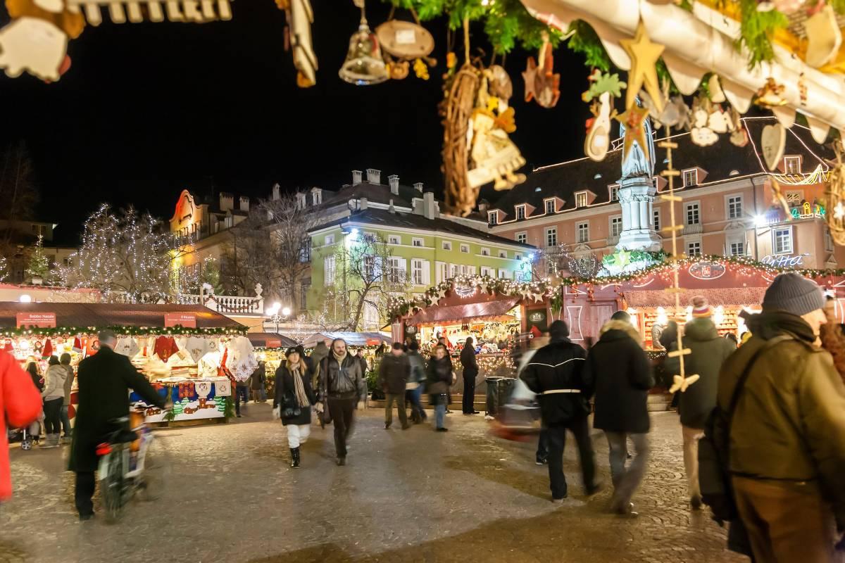 A Bolzano psicosi di Natale: cecchini sorvegliano i mercatini