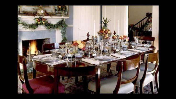 Niente baci e abbracci, massimo 6 invitati a cena: così cambierà il Natale