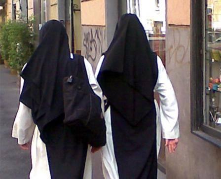 Rocca di Papa, abusi sessuali in una casa famiglia: condannate 3 suore