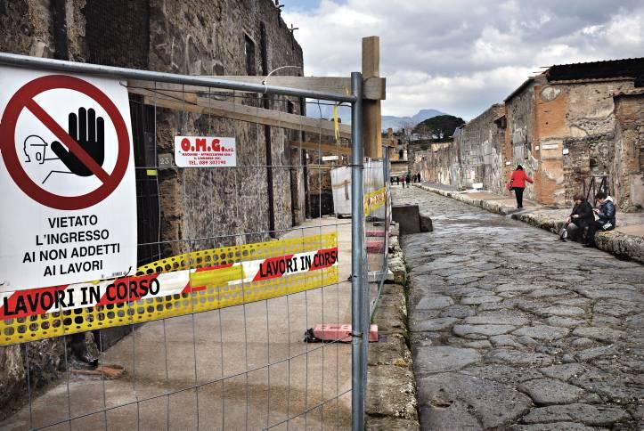 """Imprenditori francesi si """"comprano"""" gli scavi di Pompei"""