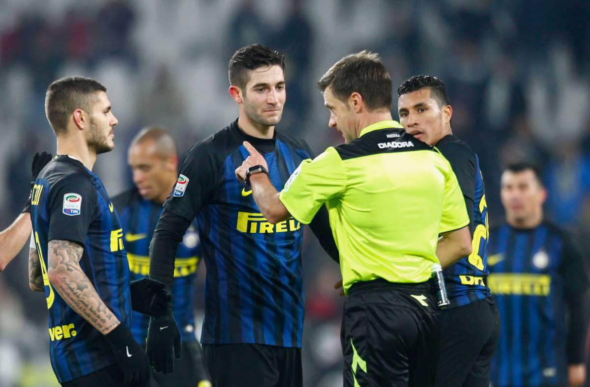 Inter su tutte le furie per un presunto errore dell'arbitro Rizzoli