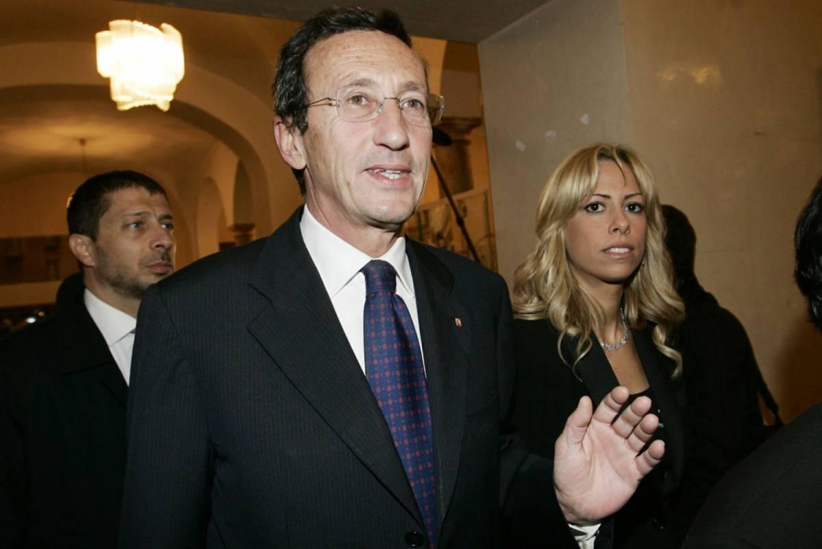 Fini si precipita di nuovo dai pm di Roma per scaricare su Tulliani ogni accusa