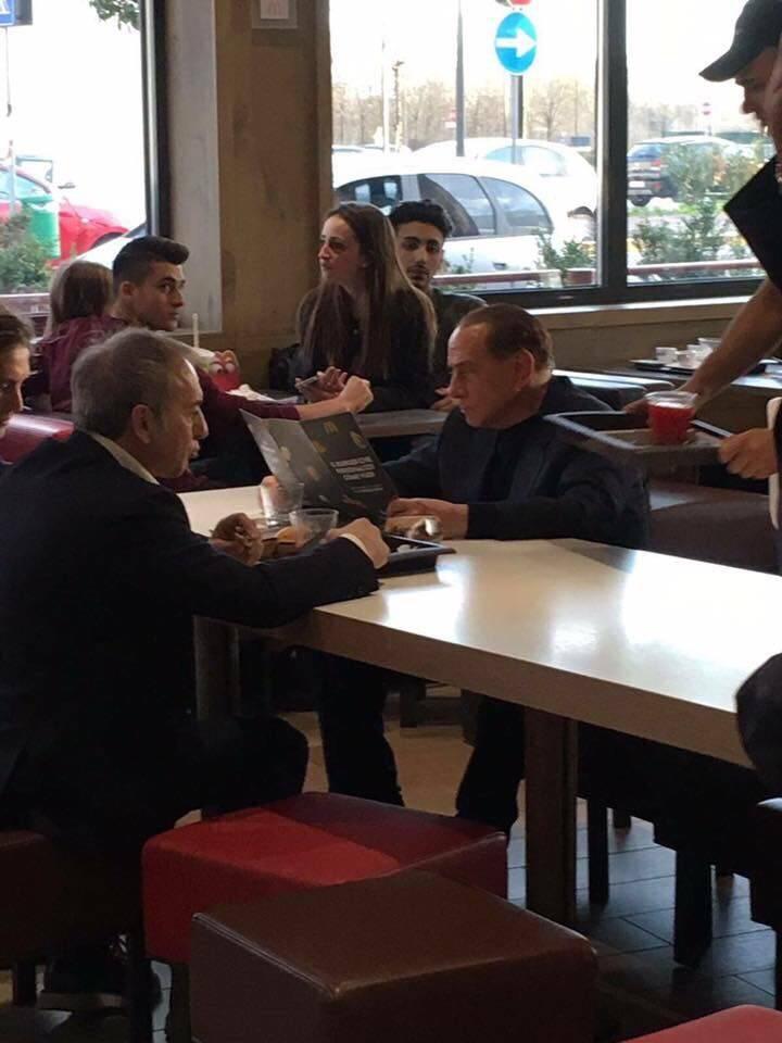 Silvio Berlusconi da McDonald's