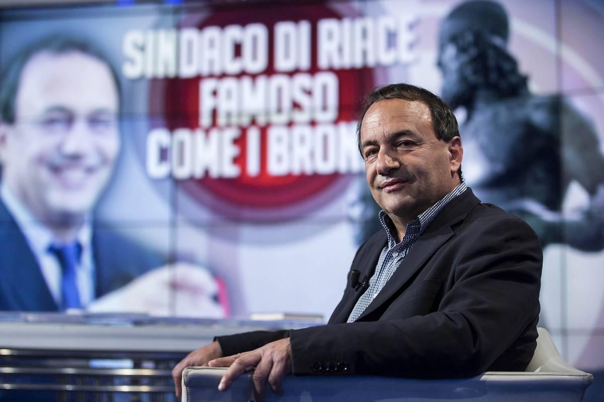 La Rai blocca lo sceneggiato sul sindaco pro-migranti di Riace