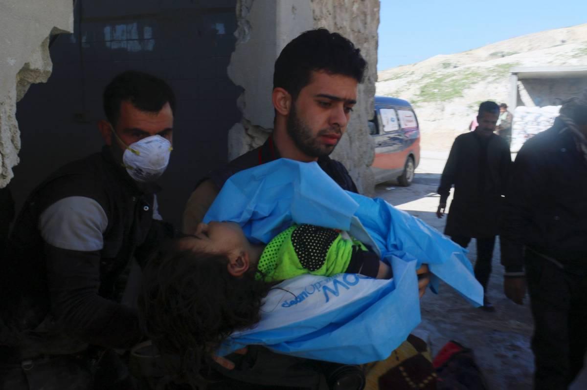 """L'altra verità sulla strage di Idlib: """"Colpito deposito di armi chimiche dei ribelli"""""""