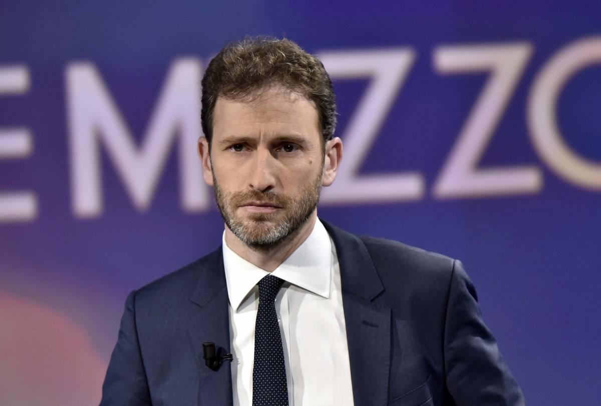 Casaleggio accusa Grillo: un casinaro, il flop colpa sua