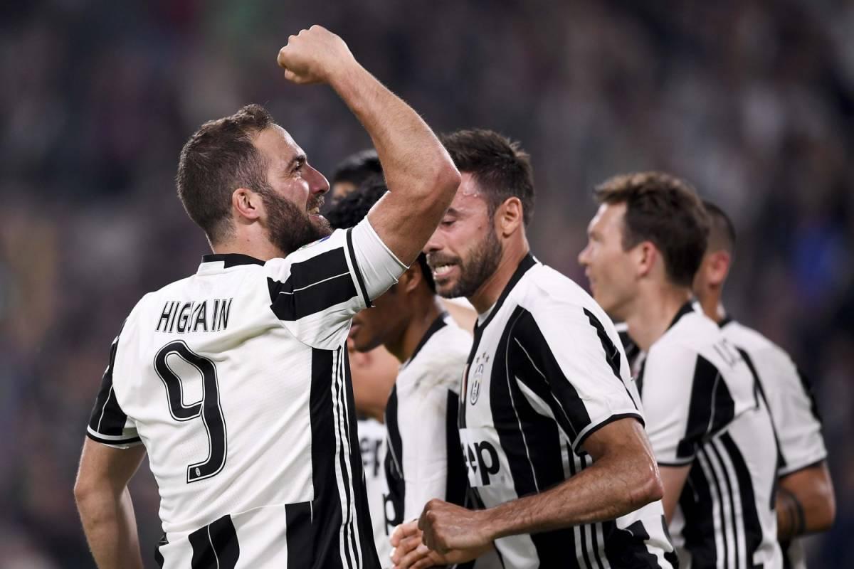 Juventus implacabile allo Stadium: 2-0 al Chievo e messaggio chiaro al Barcellona
