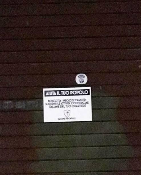 """""""Boicottate i negozi degli immigrati"""". Il marchio sulle saracinesche di Roma"""