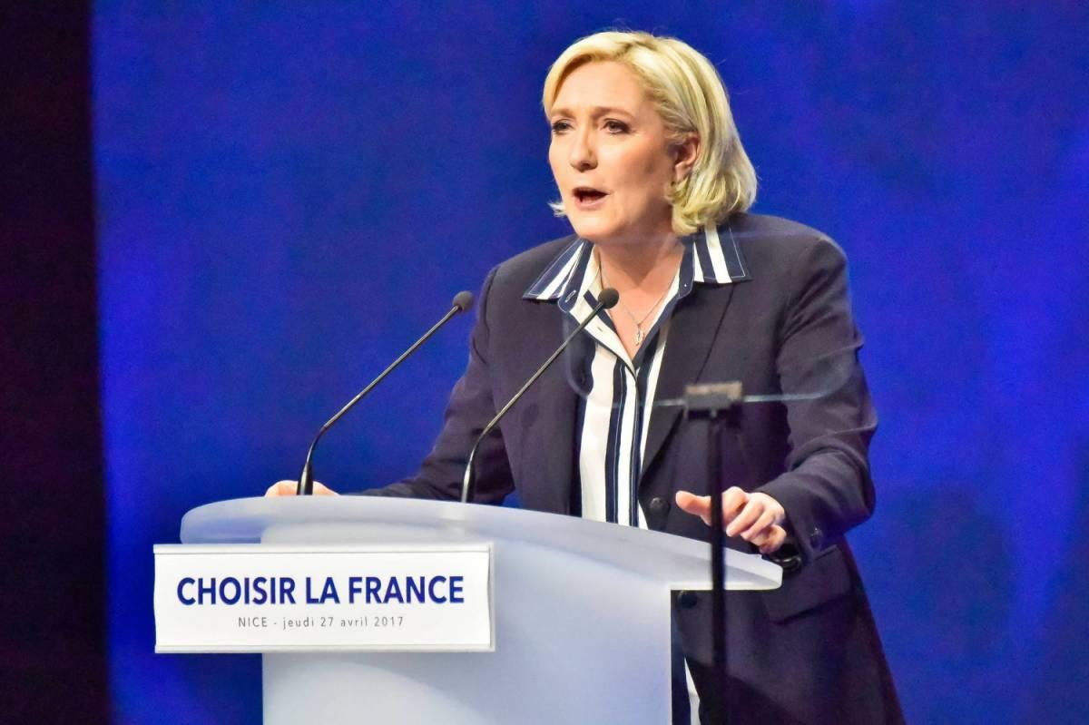 Dopo la batosta alle urne Le Pen si converte all'euro