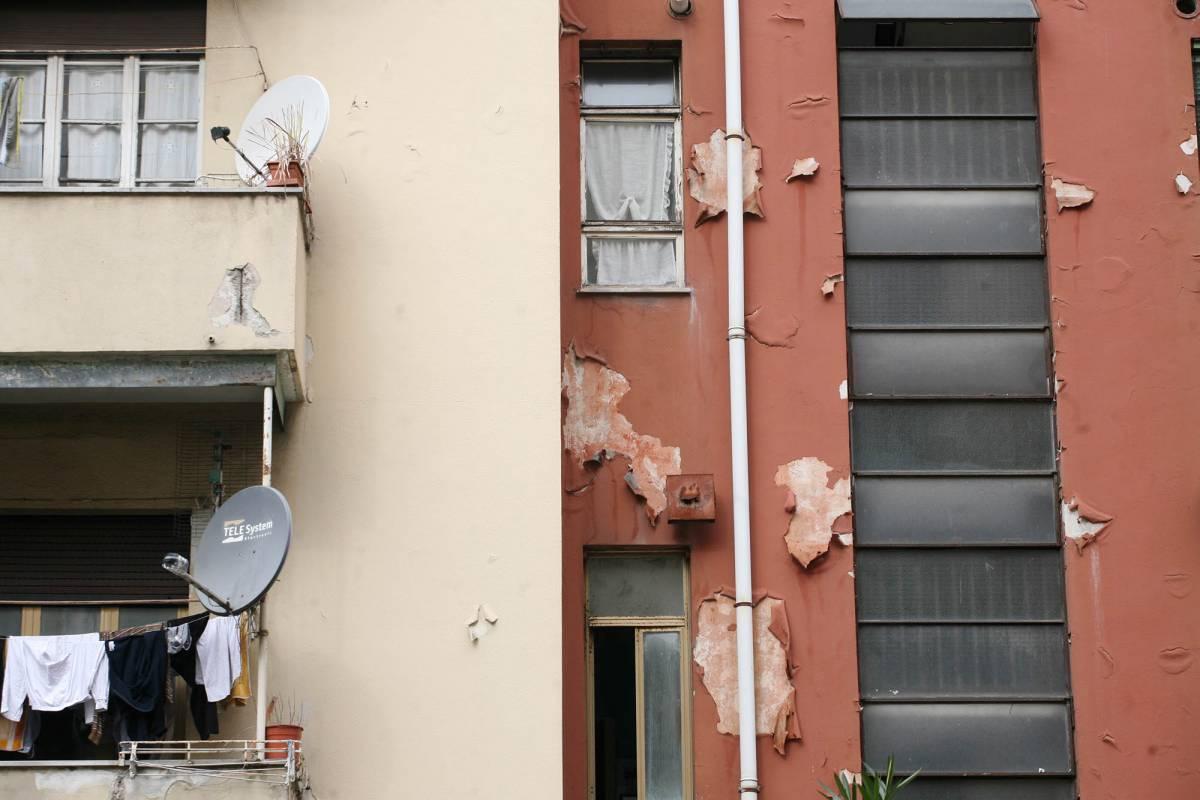 """Case occupate a Firenze, """"Dentro i clandestini, fuori i proprietari"""""""