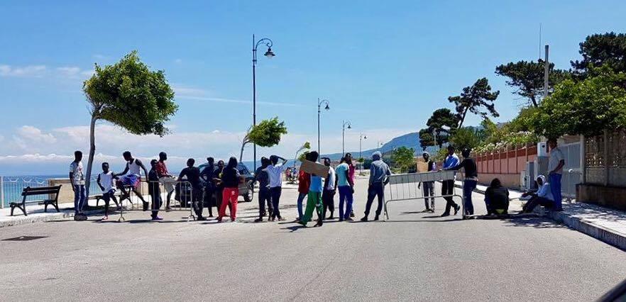 In Italia aumenta il lavoro ma solo per gli immigrati