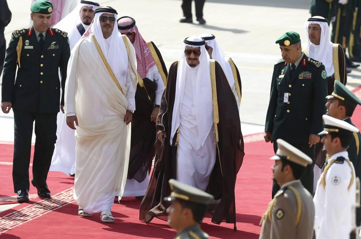 """Il mondo arabo rompe con il Qatar: """"Finanzia il terrorismo"""""""