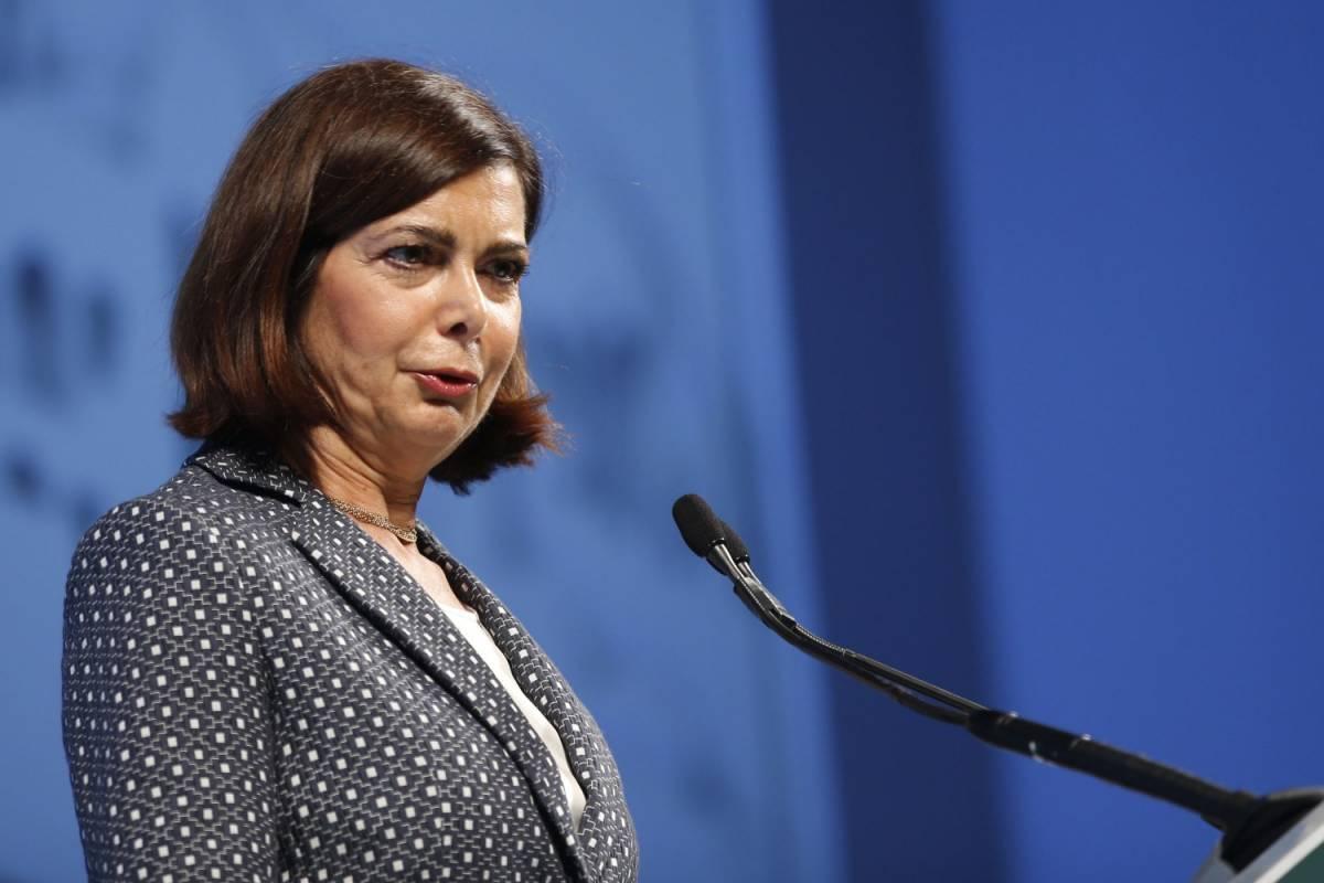 Il delirio della Boldrini: propone di cancellare i monumenti del Duce