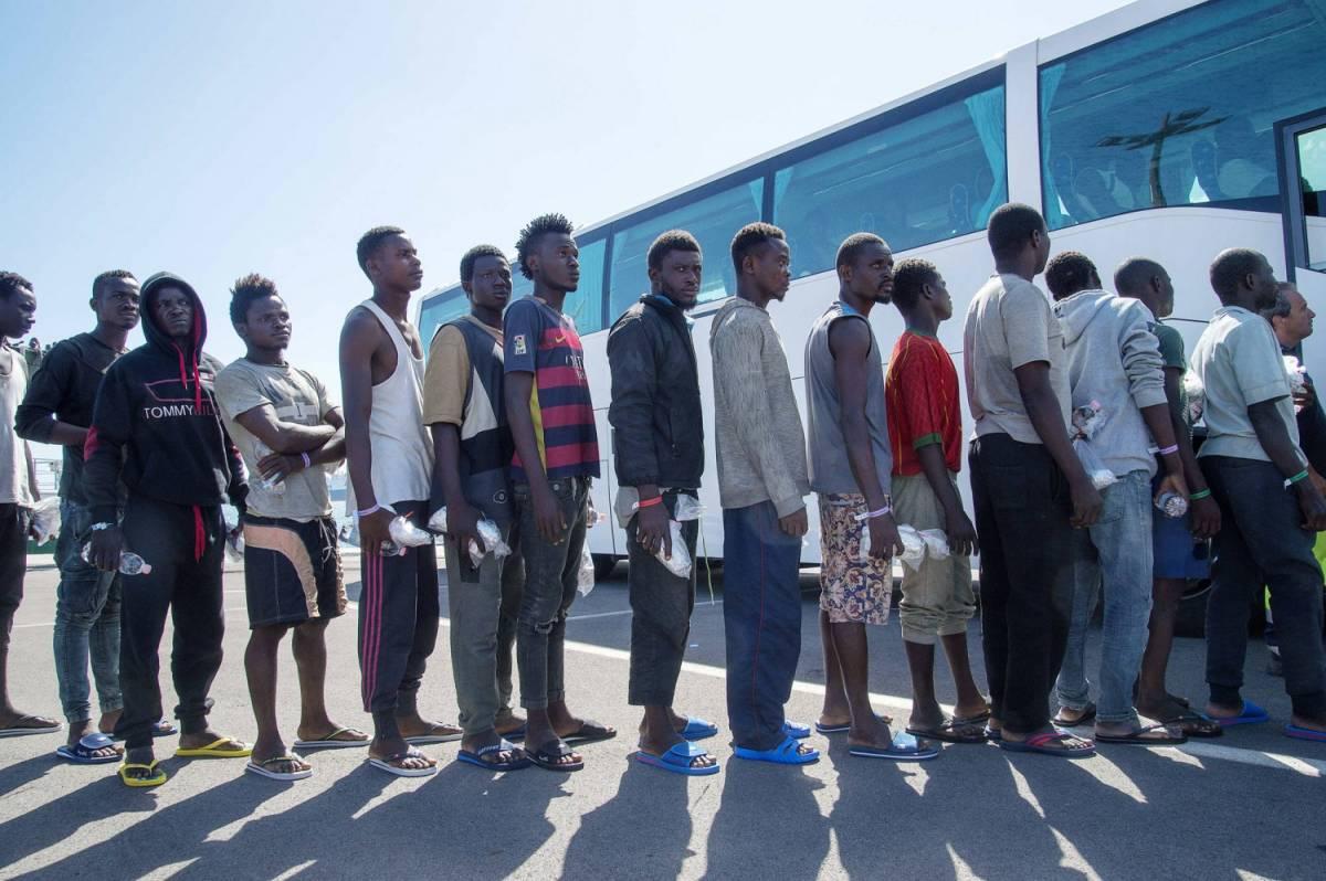 Messina, corsi di nuoto per immigrati traumatizzati dalla traversata