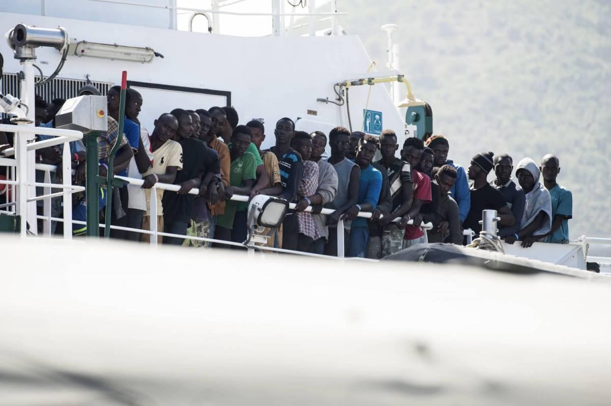 """Il cardinale ghanese Turkson: """"Stop a immigrazione di massa dall'Africa"""""""
