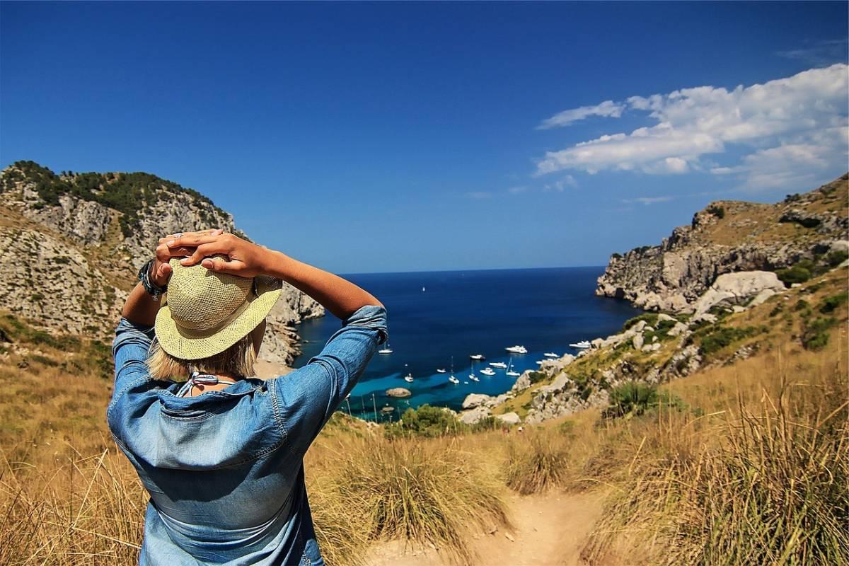 Viaggiatori solitari: come partire da soli in sicurezza