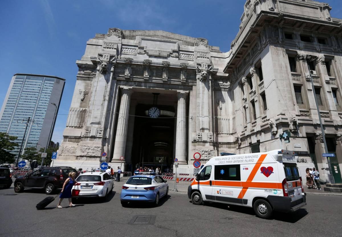"""Milano, agente ferito da migrante: """"Voglio morire per Allah"""""""