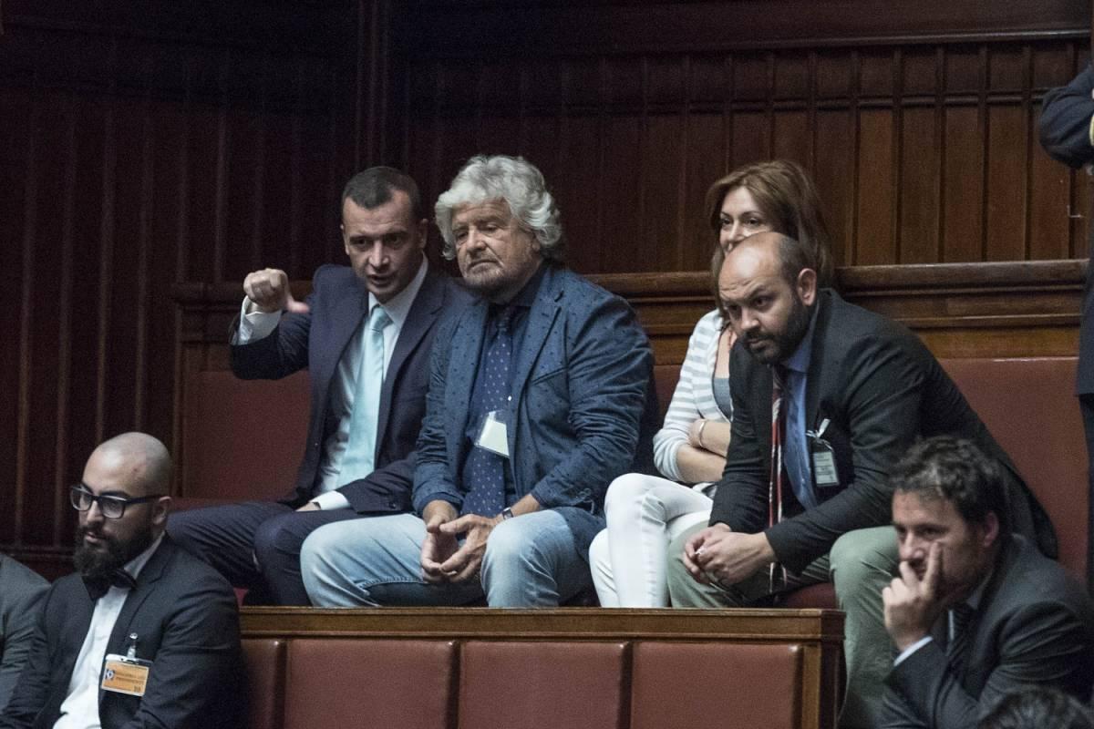 Il M5s nega voti tarocchi Ma Grillo scrive a tutti: «Cambiate le password»