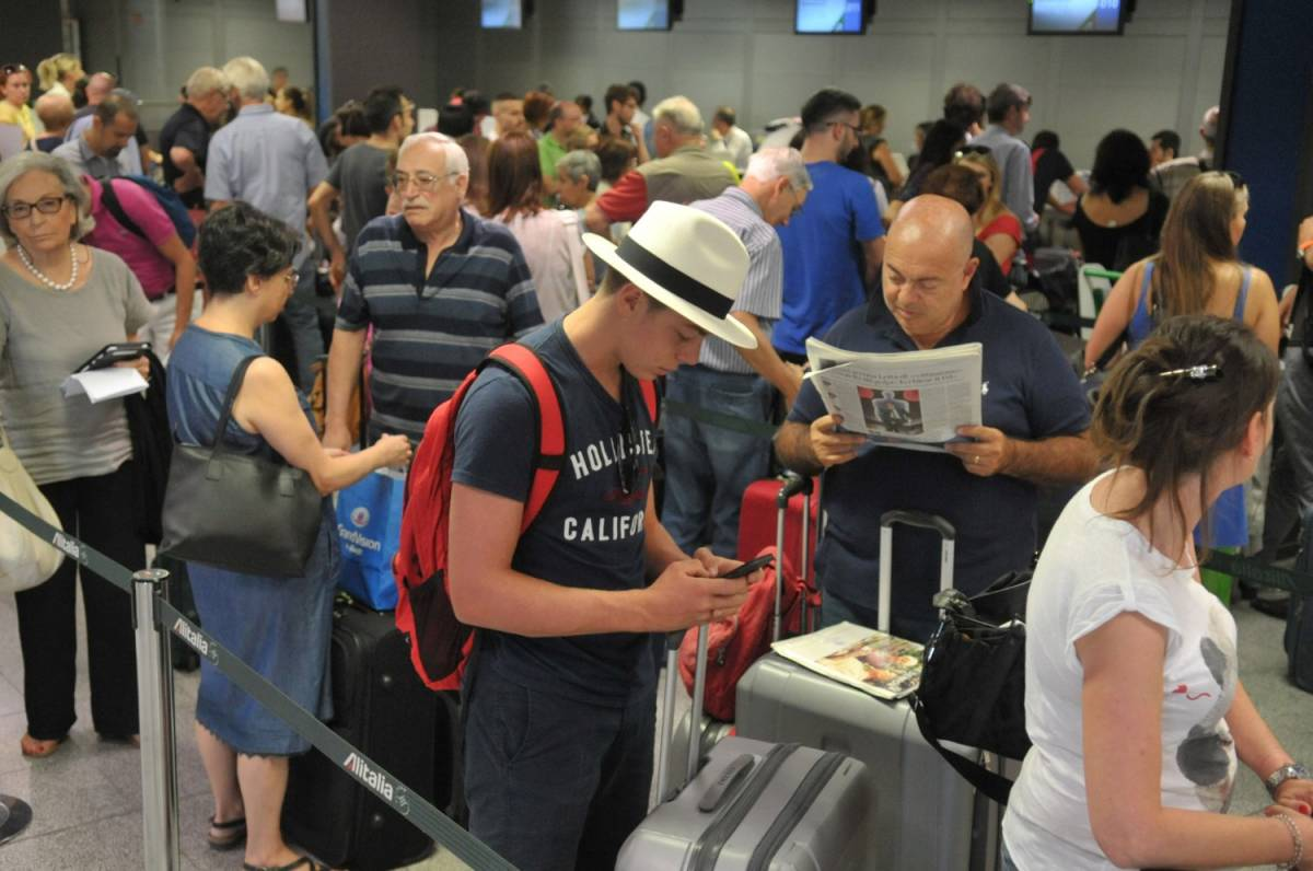 Nuova tassa sugli imbarchi: il Pd spreme chi viaggia in aereo