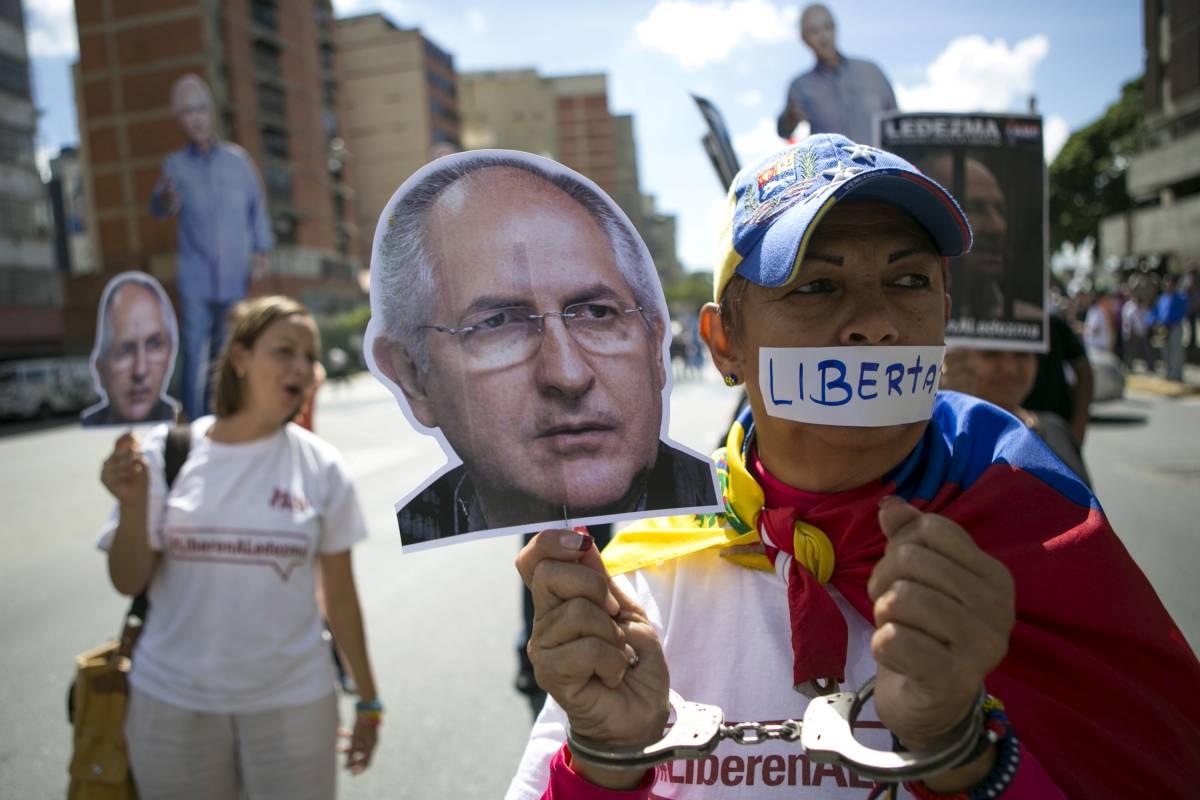 I sostenitori di Ledezma, sindaco di Caracas arrestato