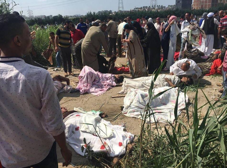 Egitto, collisione tra due treni: almeno 29 morti e 80 feriti
