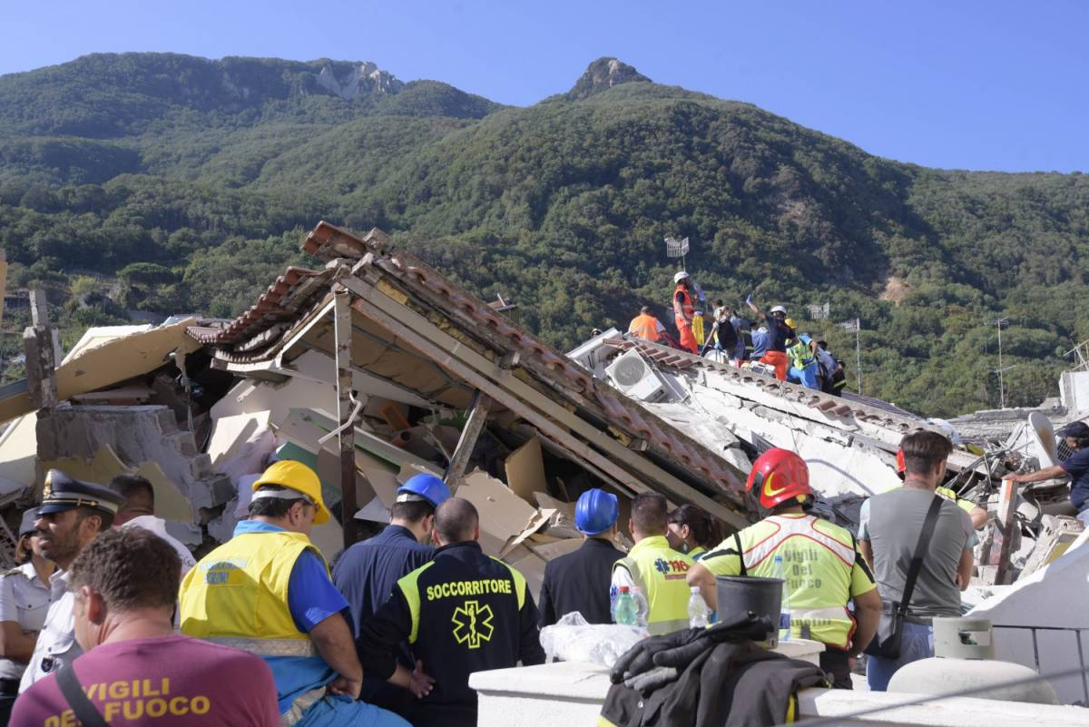 Terremoto di Ischia, l'Ingv rivede magnitudo ed epicentro