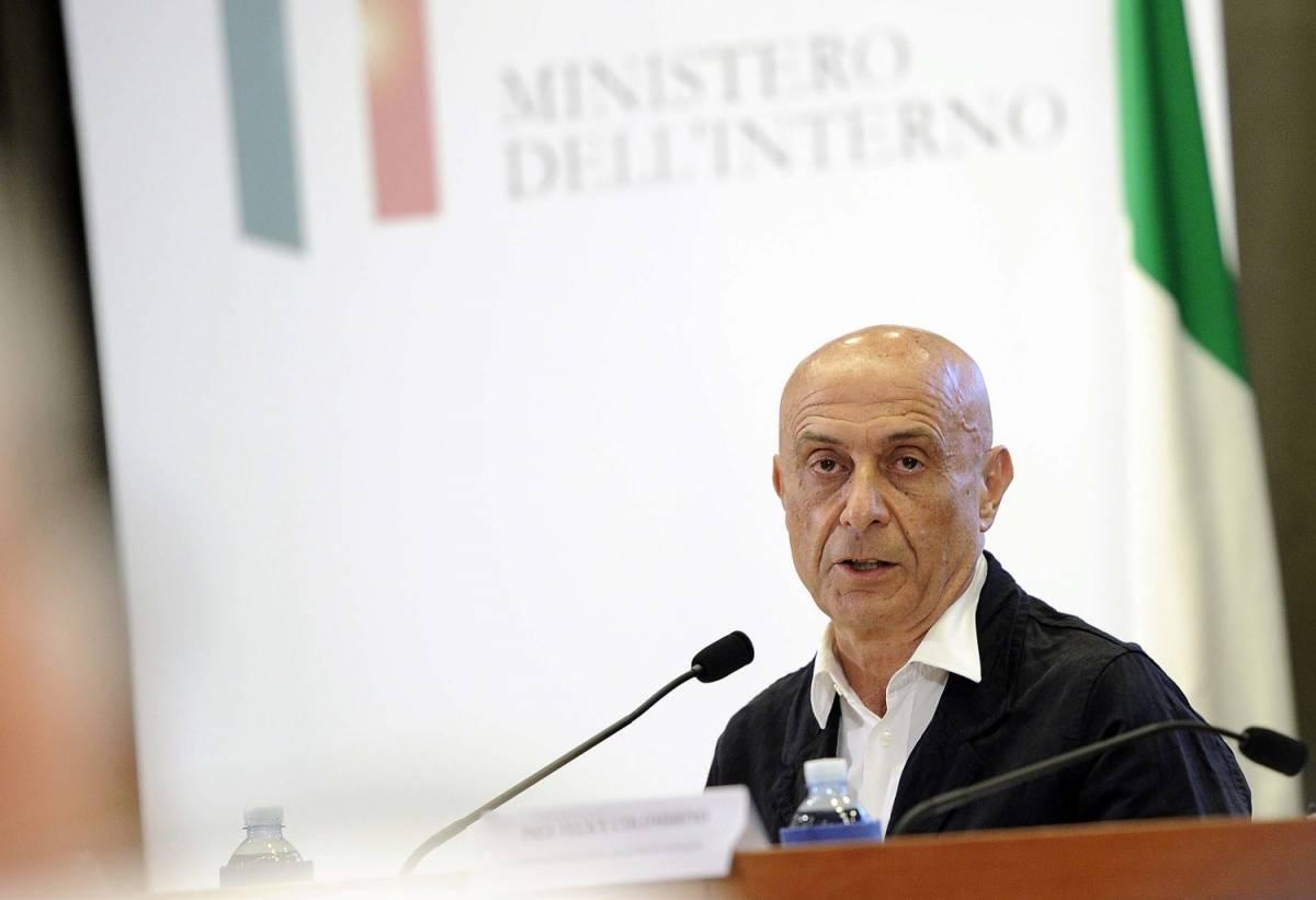 """Minniti chiama a rapporto le Ong: """"Venite a Tripoli ad alleviare le sofferenze dei profughi"""""""
