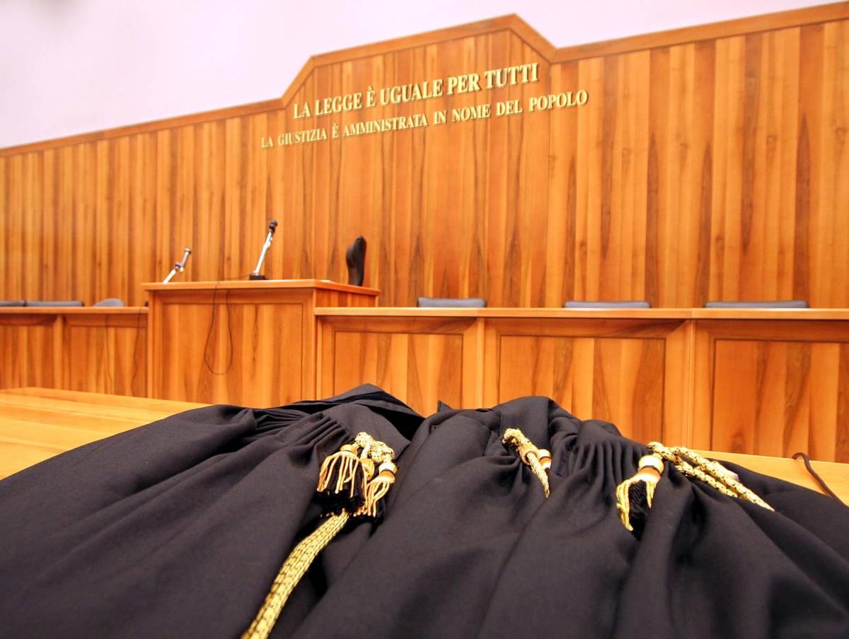 Uccise molestatore della fidanzata: il giudice gli dà sconto di pena