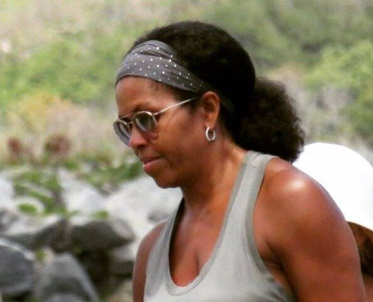 Michelle Obama e la volta in cui abbracciò la regina