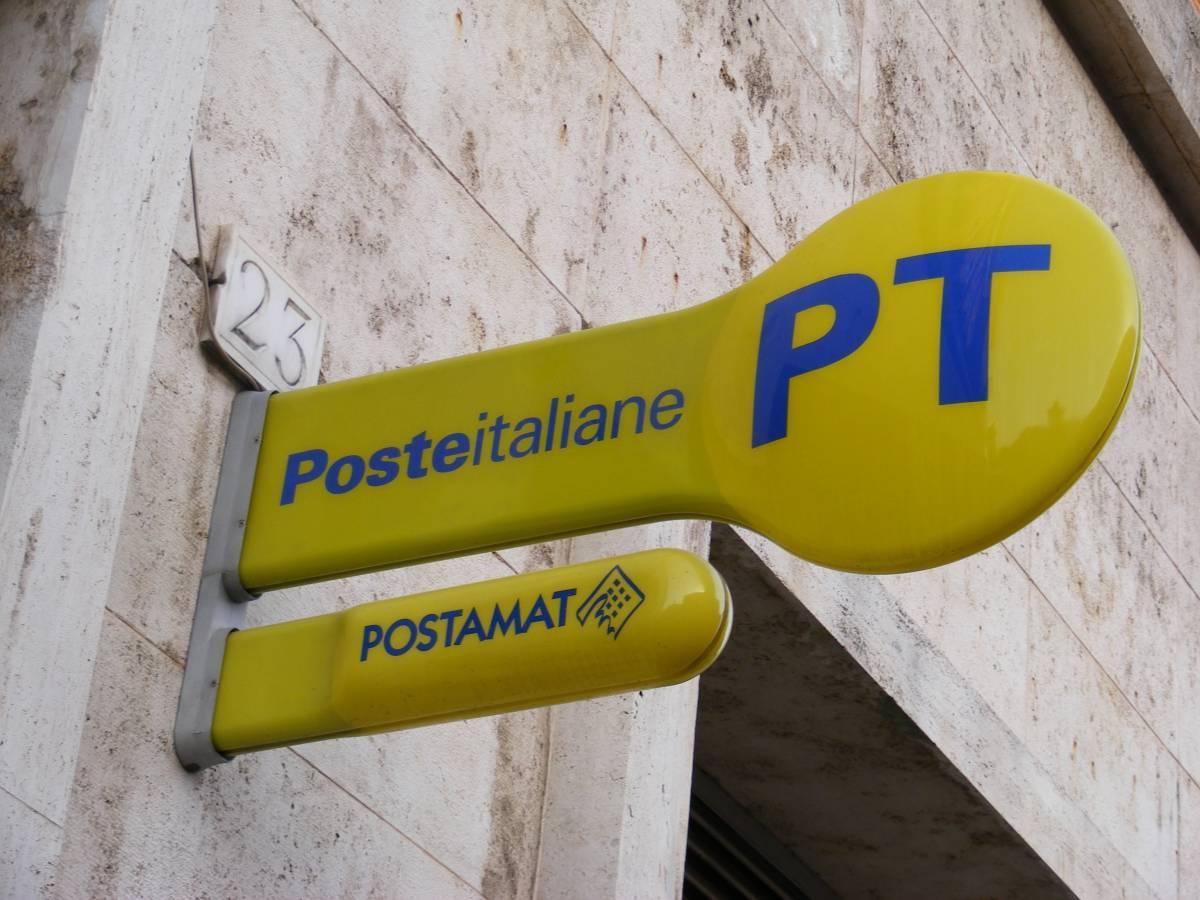 Poste, a luglio via all'aumento dei costi per spedire pacchi e lettere