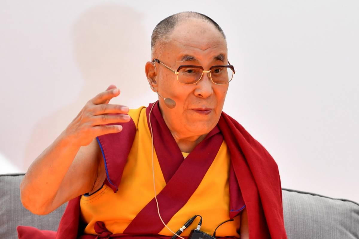 """Ora il Pd """"arruola"""" il Dalai Lama per lanciare lo spot allo ius soli"""