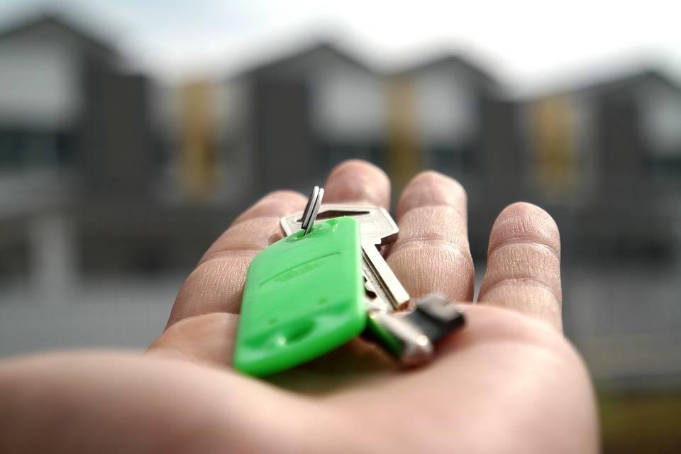 Il piano per toglierci la casa: la tassa per sistemare i conti