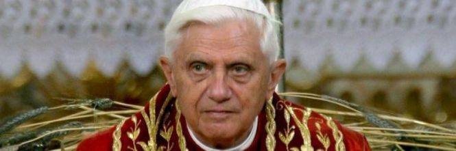 """Pedofilia, Benedetto XVI rompe il silenzio: """"Il collasso iniziò nel '68"""""""