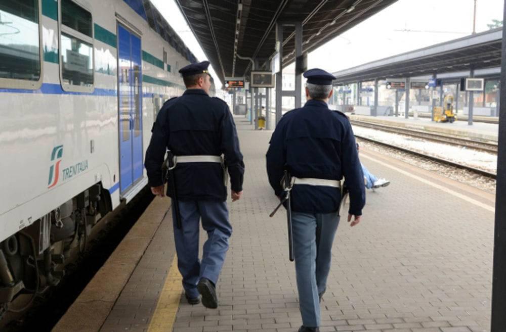 Semina il panico in stazione: denunciato marocchino