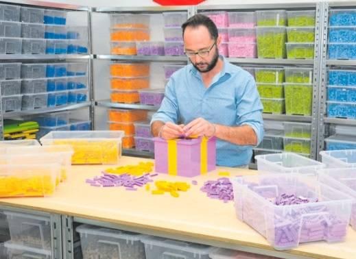 """""""In Italia sono l'unico scultore con il certificato della Lego"""""""