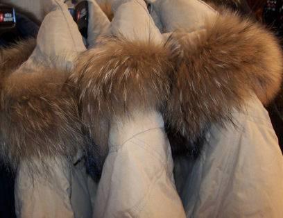 Pellicce vere vendute come sintetiche: maxi sequestro a Milano