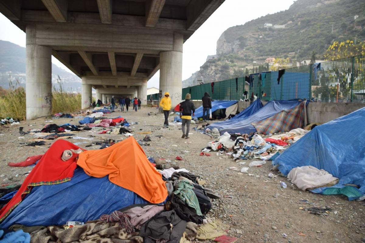 Migrante affetto da Tbc ricoverato d'urgenza:  viveva sul greto del fiume