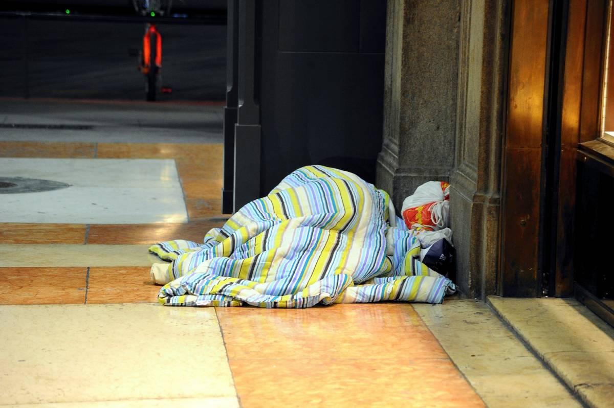 Milano, prima vittima per il freddo: clochard trovato morto vicino alla stazione