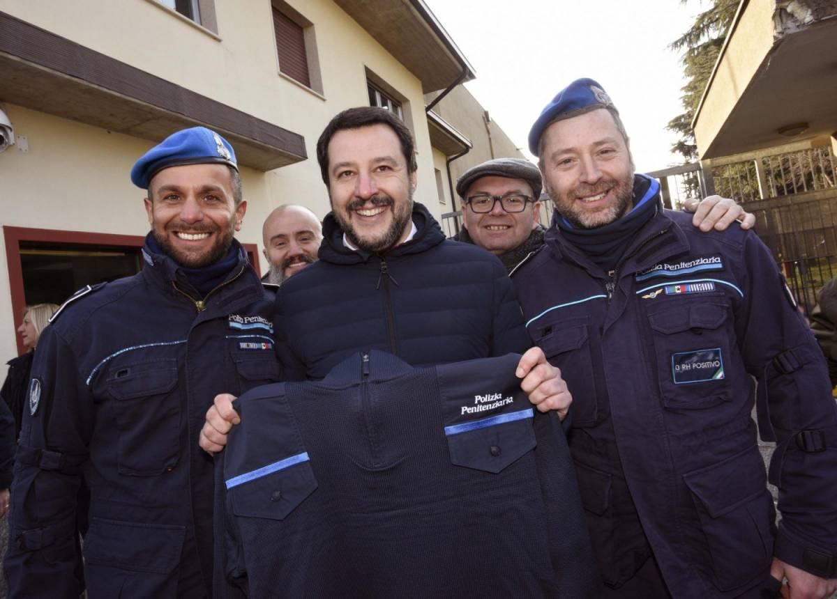 """Migranti, Salvini zittisce la Cei: """"C'è chi vuole che giuri sul Corano"""""""