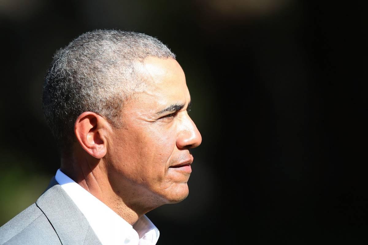 Obama firma con Netflix Produrrà film e fiction