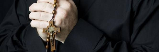 Basilicata, secondo prete sospeso dopo lo scandalo dei festini gay