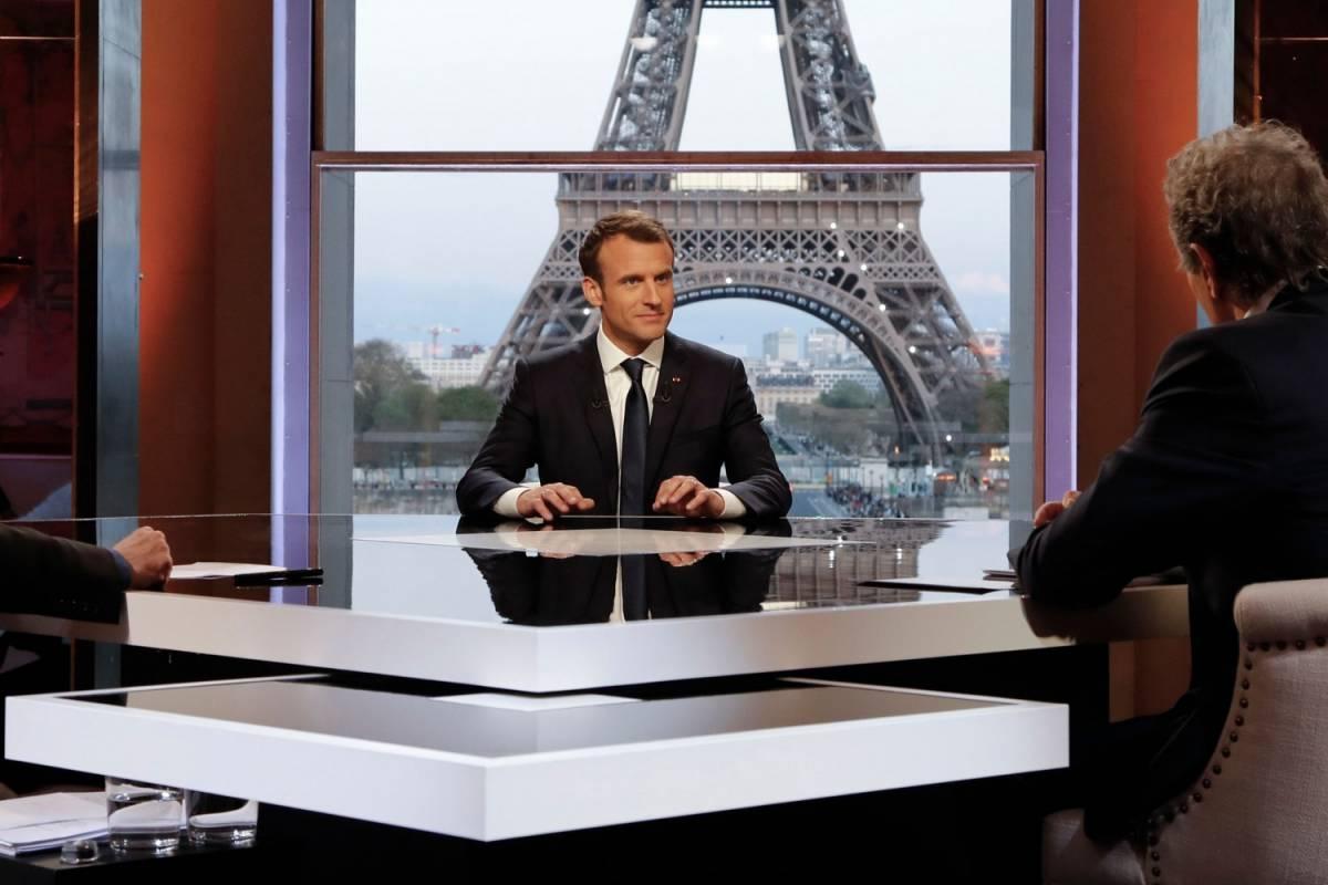 """""""Vomitevoli"""", """"lebbrosi"""": Parigi e la corsa all'insulto"""