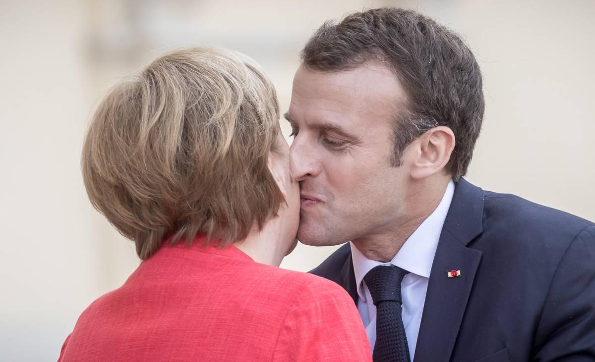 """L'asse Merkel-Macron: """"Entro giugno misure importanti per il futuro dell'Europa"""""""
