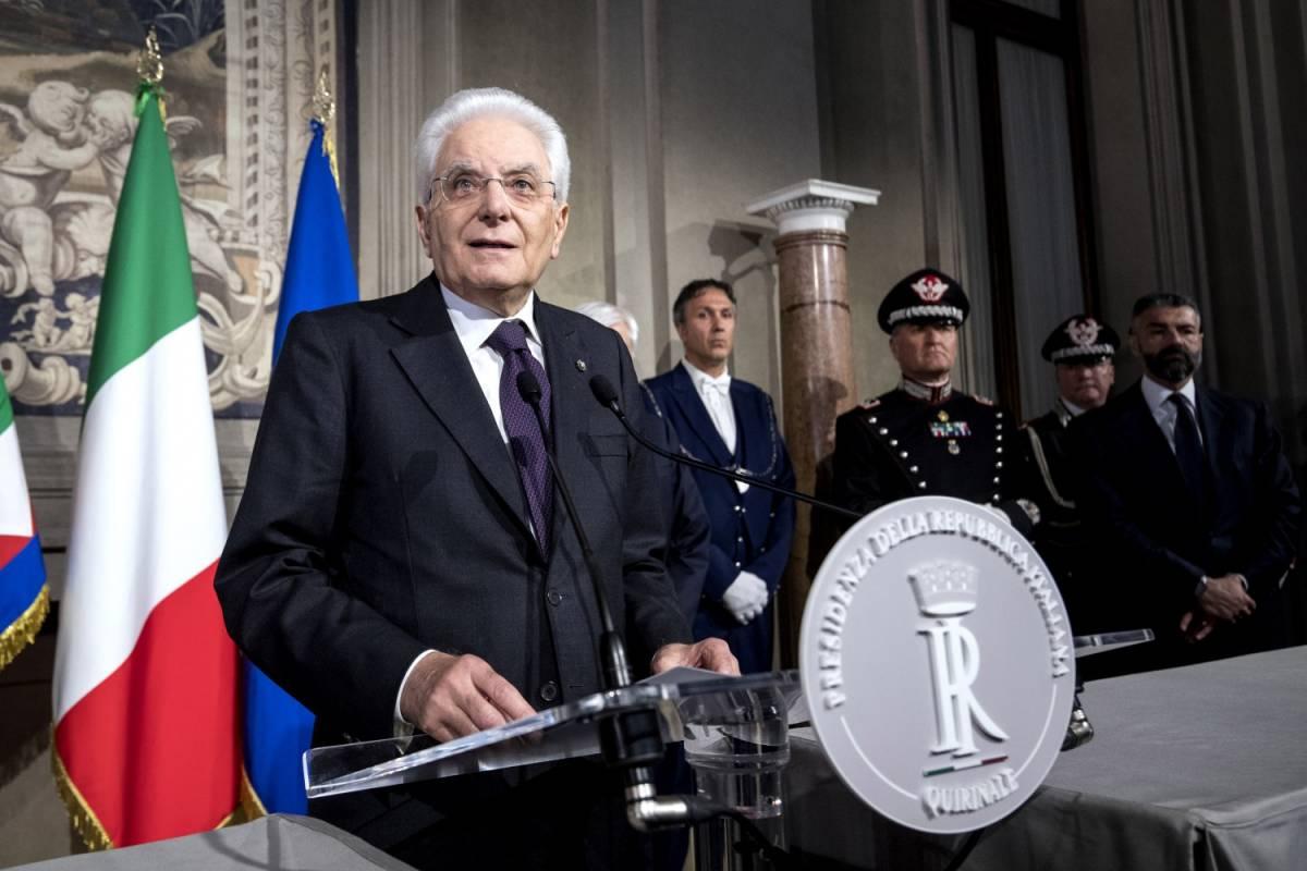 """Mattarella ora dà la linea e s'improvvisa premier: """"Sovranismo inattuabile"""""""